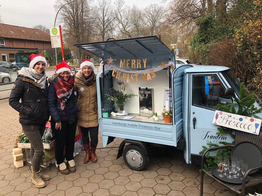 Das Fräulein GLYCK Team bei ihrem ersten Einsatz auf einem Adventsmarkt