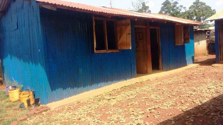 Ein weiteres Gebäude mit zwei Klassenräumen