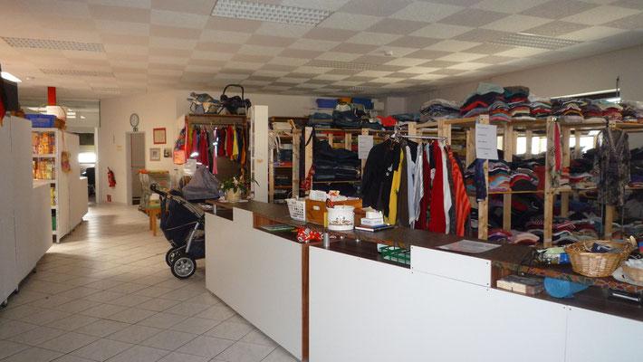 die Kleiderkammer