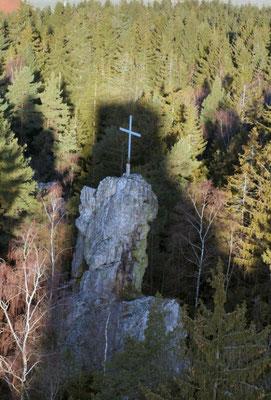Kreuz am Pfahl