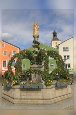 Der Osterbrunnen- eine Augenweide