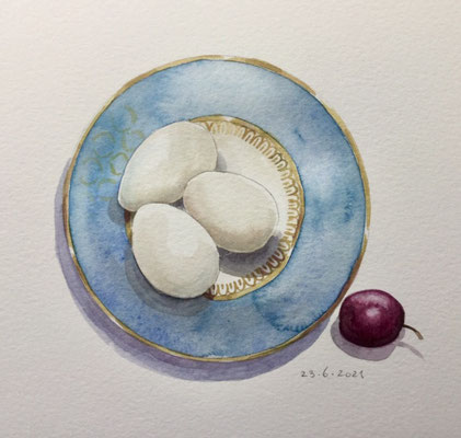 Annette Fienieg: 23-6-2021, Eggs from neighbour C and a small plum