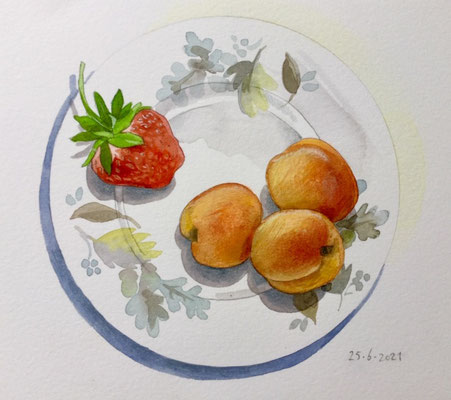 Annette Fienieg: 25-6-2021, Apricots and a strawberry