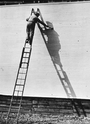 André Kertész: painting his shadow
