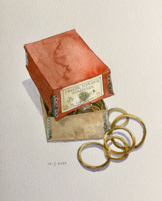 Annette Fienieg: Old box of curtain rings, 14-7-2021