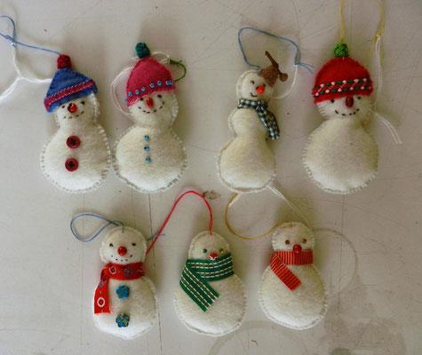 felt snowmen €4,- and € 5,-