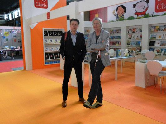 Koos Meinderts en uitgever Arthur Hoogland (voor aanvang van de beurs)