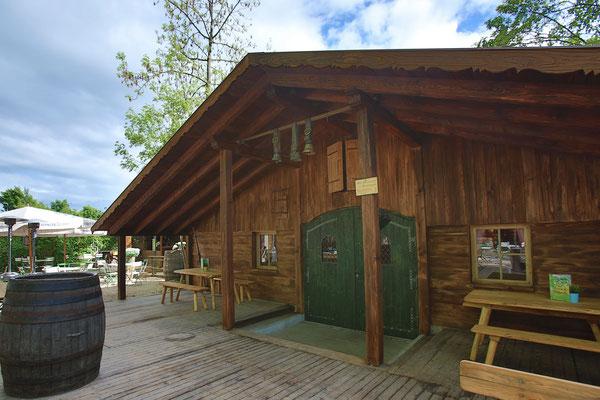 Der Kirchheimer Hirschgarten - Biergarten unter Kastanien - 1