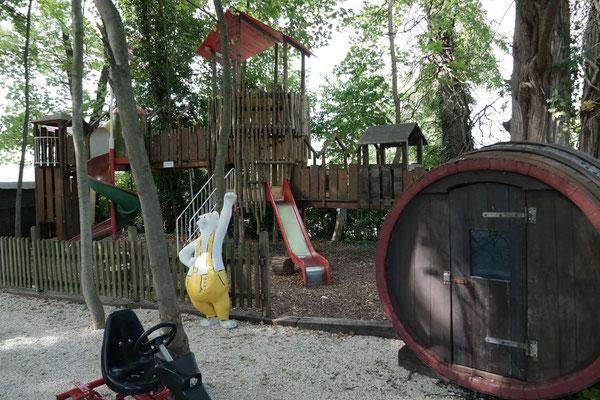 Der Spielplatz im Kirchheimer Hirschgarten - 11
