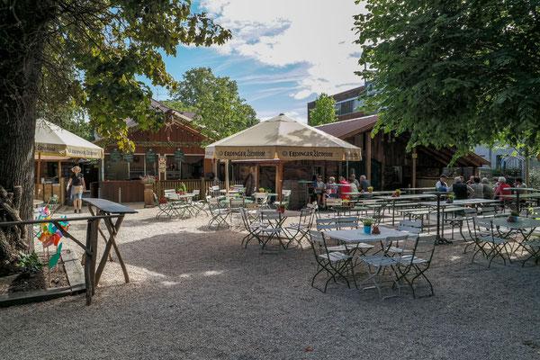 Der Kirchheimer Hirschgarten - Biergarten unter Kastanien - 29