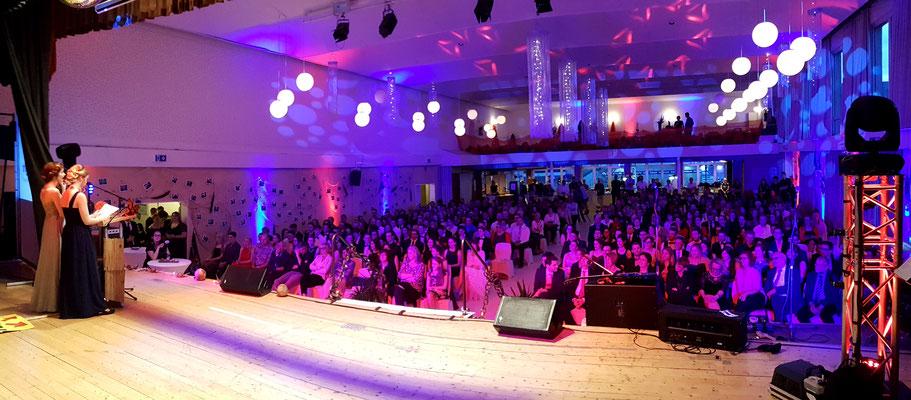Abiball der IGS Kastellaun (Hunsrück) in der Stadthalle Tivoli