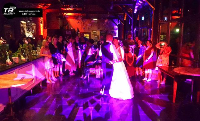 Hochzeit in der Landlust / Burg Flamersheim, Euskirchen mit unserem DJ Service + Licht & Ton