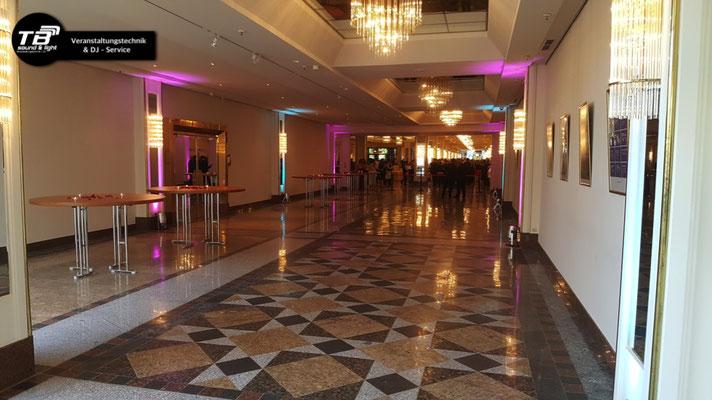 Illuminierter Eingangsbereich