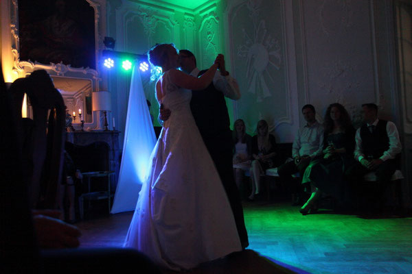 Hochzeit im Morenhovener Schloss. Bilder by: fotoart-stute.de