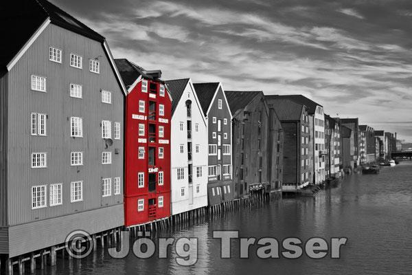 Speicherhäuser Trondheim rot