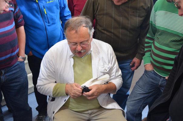 Jürgen Weichold zeigt Tricks zum Verschönern einer Spitzkappe