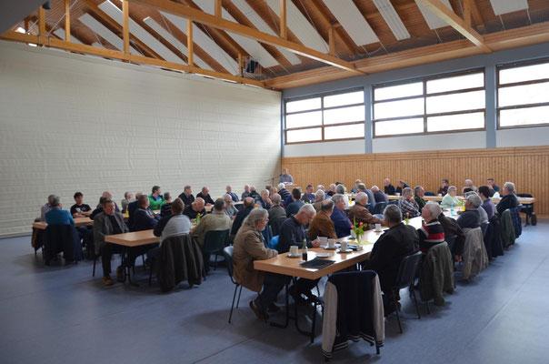 Viele Thüringer Züchter fanden den Weg zu unserer Versammlung nach Emleben.