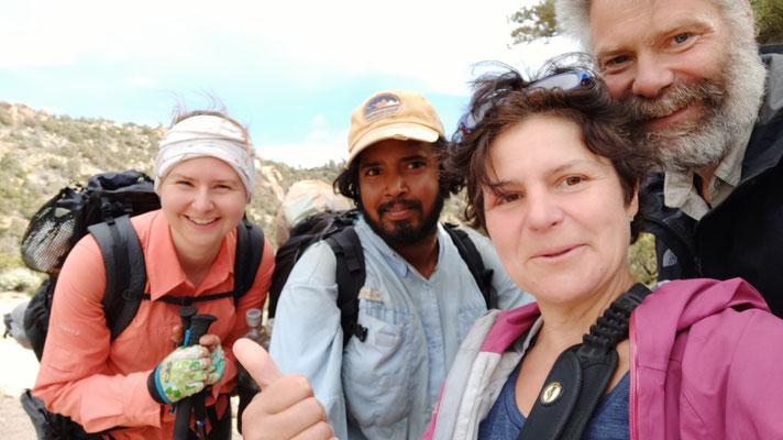 Vanessa, Filipe und wir unweit des Gipfels