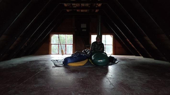 Schlafplatz im ersten Stock
