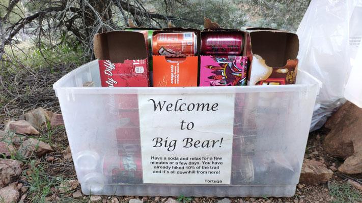 Trailmagic vor Big Bear: Erfrischungsgetränke