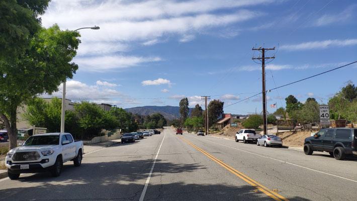 Bilder von Agua Dulce, eine Ansammlung von nur einigen Läden und Restaurants an einer breiten Straße im Nirgendwo, ca. 35 Min. von LA. Der Rest des Ortes liegt im Umkreis von einigen Kilometern.