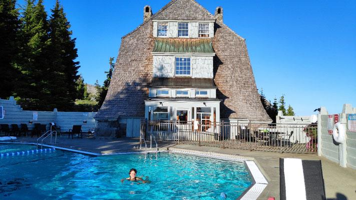 Hauseigener Pool