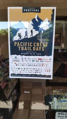 In Cascade Locks: Ankündigung eines großen PCT-Hiker-Treffen im August