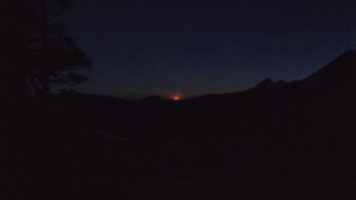 Waldbrand in der Ferne, nahe Lake Tahoe