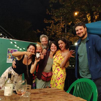 Oriana, Nicole, Chefin der Boteco: Eliane und Jonas (Herbal Witch)