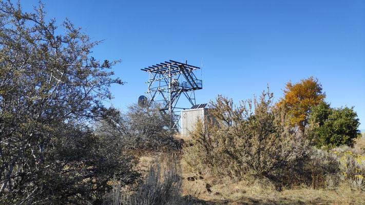 Telekommunikationsturm auf der Hat Creek Rim