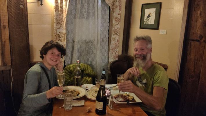"""Unser letztes gemeinsames Abendessen im traditionsreichen """"Moons"""""""
