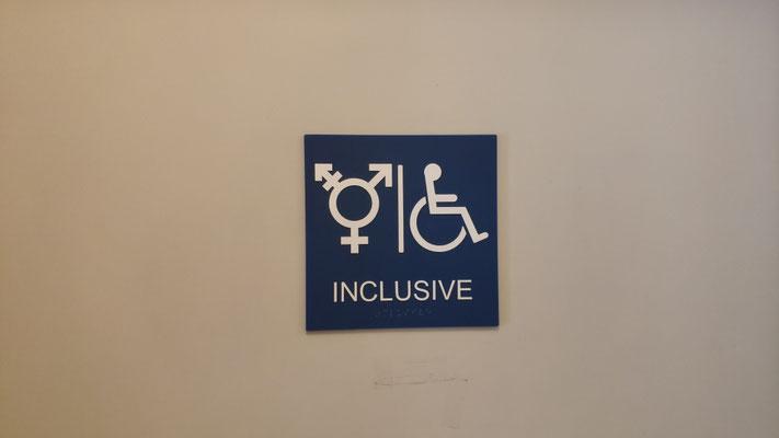 Die Toilette ist fortschrittlich, das ist echte Inklusion ...