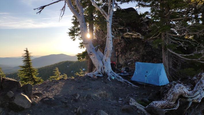 Zeltplatz direkt unterhalb des Devils Peak