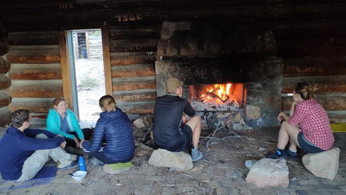 Thomas mit Freunden in der Coon Creek Cabin