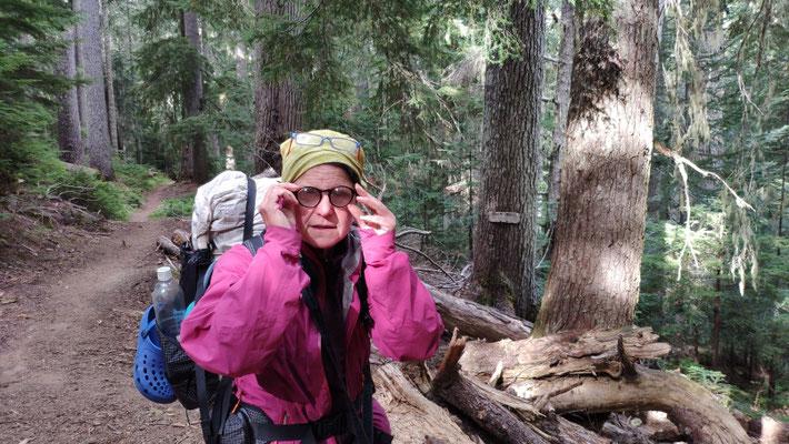 Am Miner's Creek Camp fanden wir eine sehr dickglasige Brille ...