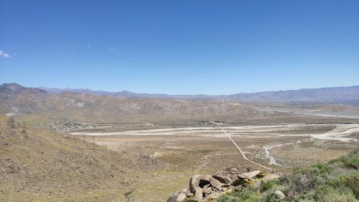 Das weite Tal zw. dem Jacinto- und dem San Gorgonio-Gebirge