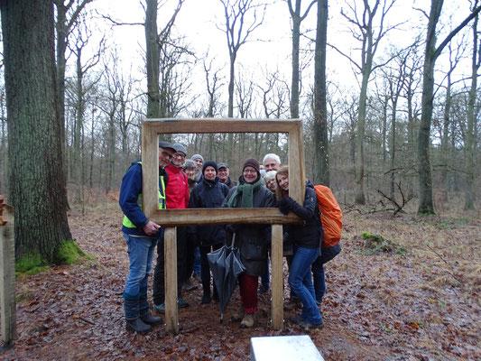 Bitte recht freundlich: die Teilnehmer der Exkursion in der Hohen Ward (Foto: Joachim Teetz)