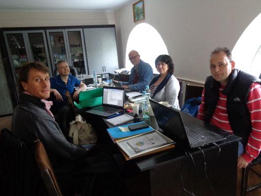 Dr. Thomas Hövelmann (Mitte) bei der Vorstandssitzung von Planta Europa mit (von links) Dr. Philippe Bardin, Dr. Laurens Sparrius, Prof. Dr. Erika Pénzesné Kónya und Dr. Mykyta Perygrym (Foto: Olesya Besmertna)