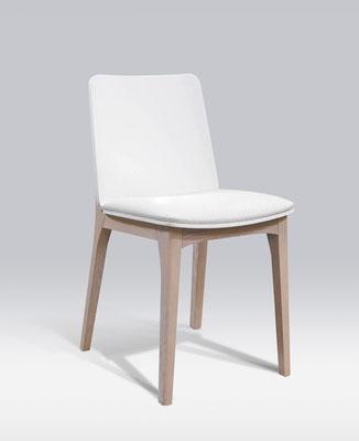 Collection comprenant chaises, table à rallonges, enfilade et rangements. Pierre Dubourg 2014