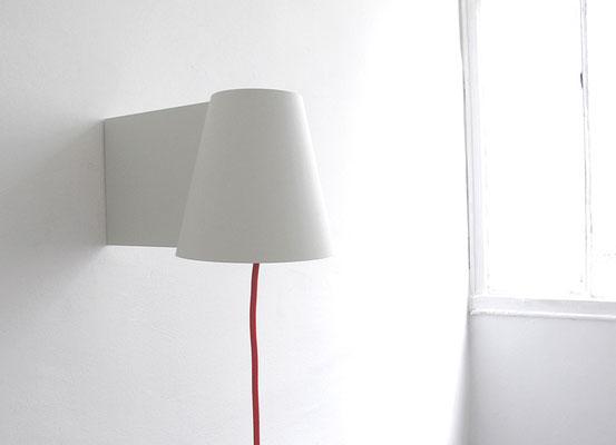 Applique en version laquée blanche. Pierre Dubourg 2011