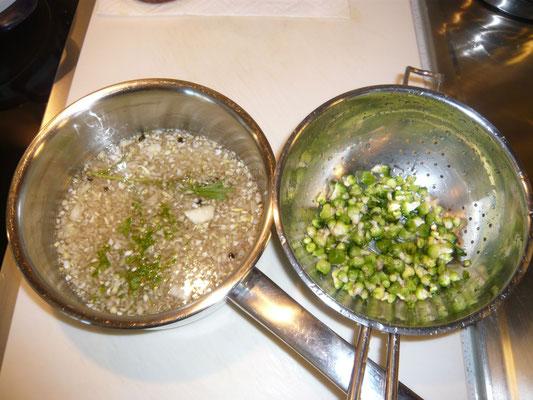knospen abseihen und im essiggemisch(zwiebel, knoblauch, kräutersalz) ein, zwei minuten mitkochen