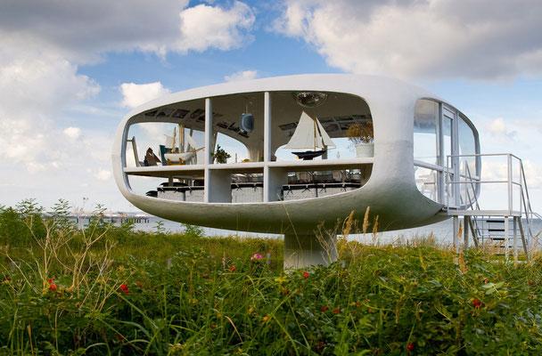 Futuristisches Gebilde am Strand von Binz