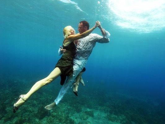 Kreta  Ulrike Heese & Constantin Rüger Tango unter Wasser