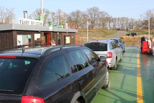 Auf der Fähre über die Elbe