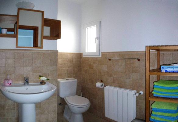 Jedes Bad mit Dusche, WC, Heizung, Föhn