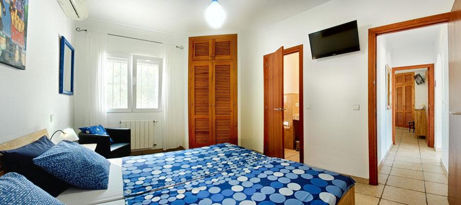 Schlafzimmer blau - Doppelbett 180 x 200 cm