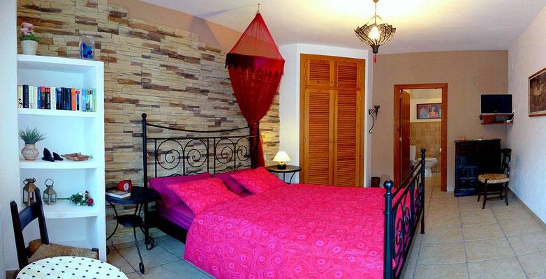 Schlafzimmer rot - Doppelbett 160 x 200 cm