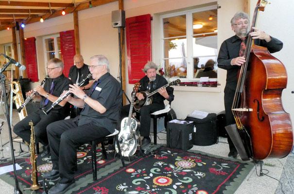 Konzert auf der Sonnenterrasse Restaurant Albishaus