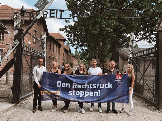 IG Metall Jugend: Wir befinden uns gerade für ein paar Tage in #Oswiecim und besuchen einige Azubis, die hier im Rahmen der Gedenkstättenarbeit von #Volkswagen im Stammlager #Auschwitz und Außenlager in #Birkenau helfen.