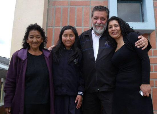 Maria hat als Kind an Projekten von Cisol teilgenommen. Sie lebt heute in Spanien und besuchte Cisol mit ihrer Mutter und ihrer Tochter.